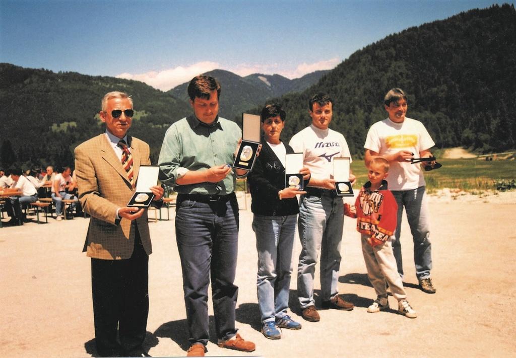 Leta 1997 v Planici: Janez Bolko, Miha Smolej, Tončka Brudar, Marko Gracer, Anton Požar