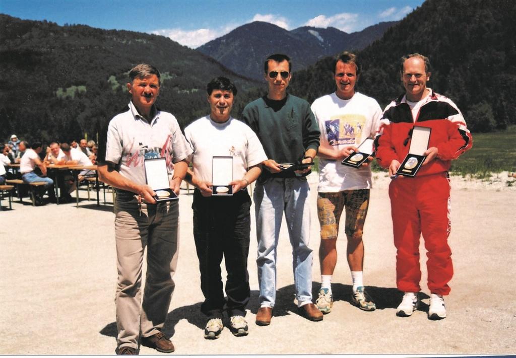 Leta 1997 v Planici: Janez Mlinar, Alojz Kerštajn, Robert Kerštajn, Jože Kavalar, Branko Dolhar